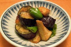 万願寺とうがらしと茄子と厚揚げの味噌炒め煮